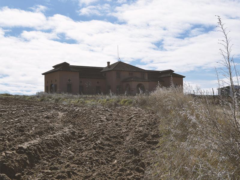 Exterior2 Bodega y Viñedos Agejas